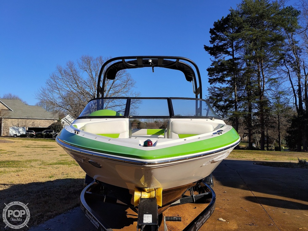2017 Regal boat for sale, model of the boat is 1900 ESX & Image # 29 of 40