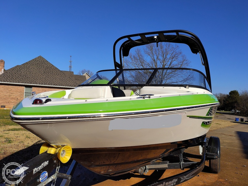 2017 Regal boat for sale, model of the boat is 1900 ESX & Image # 15 of 40