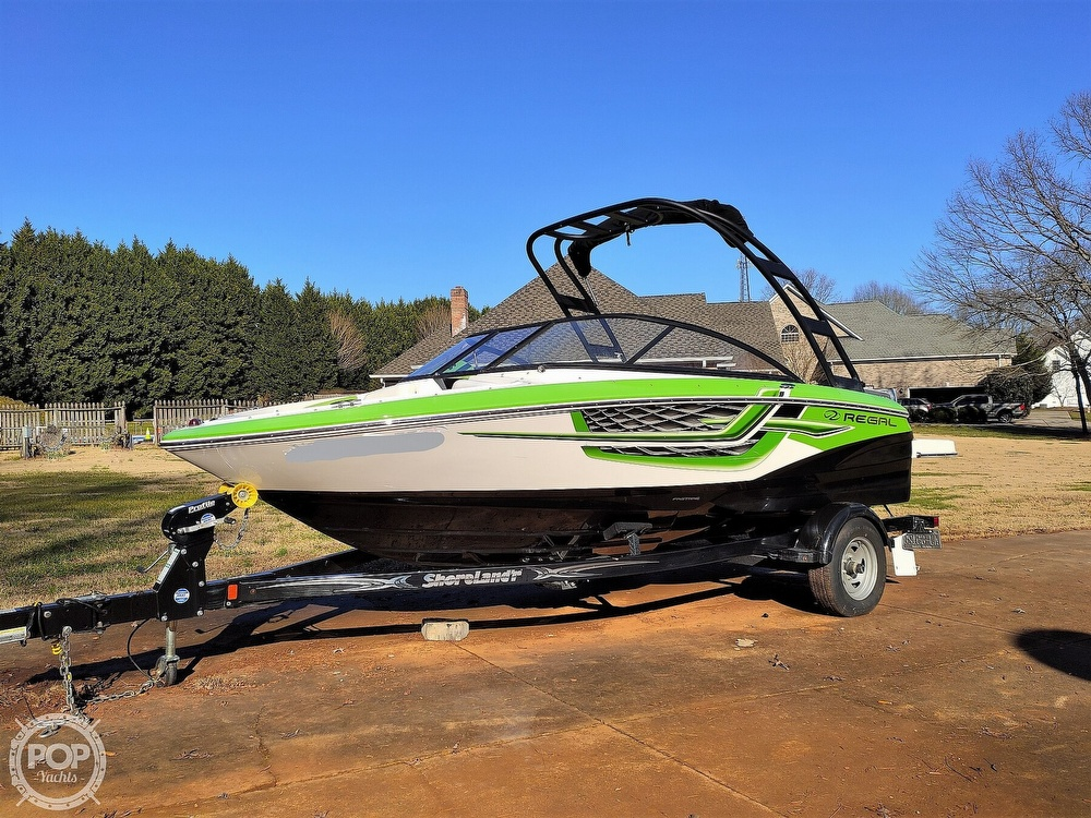 2017 Regal boat for sale, model of the boat is 1900 ESX & Image # 35 of 40