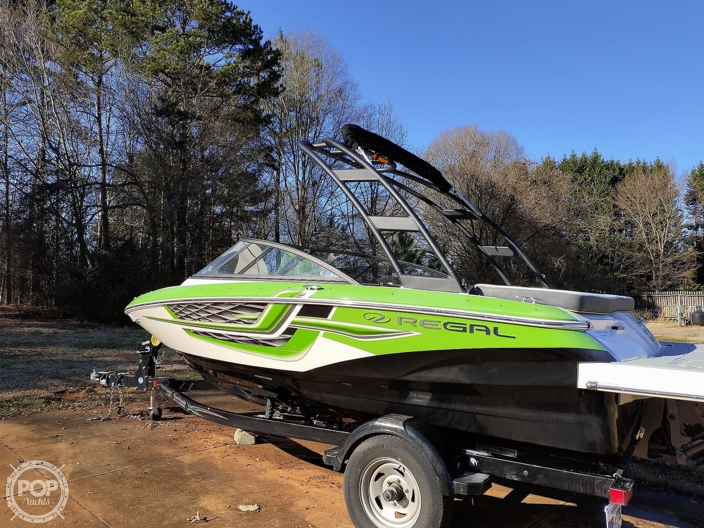 2017 Regal boat for sale, model of the boat is 1900 ESX & Image # 36 of 40