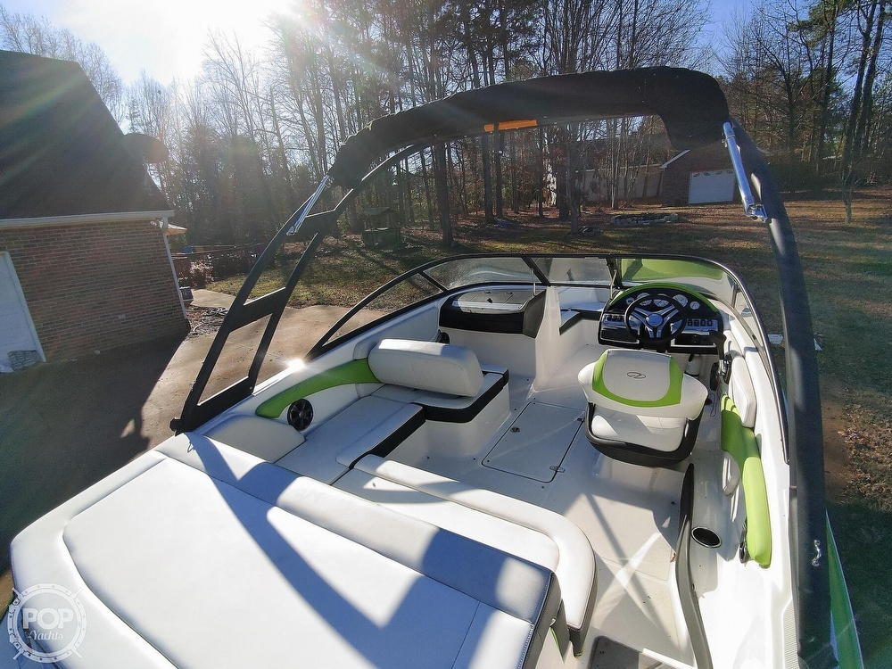 2017 Regal boat for sale, model of the boat is 1900 ESX & Image # 6 of 40