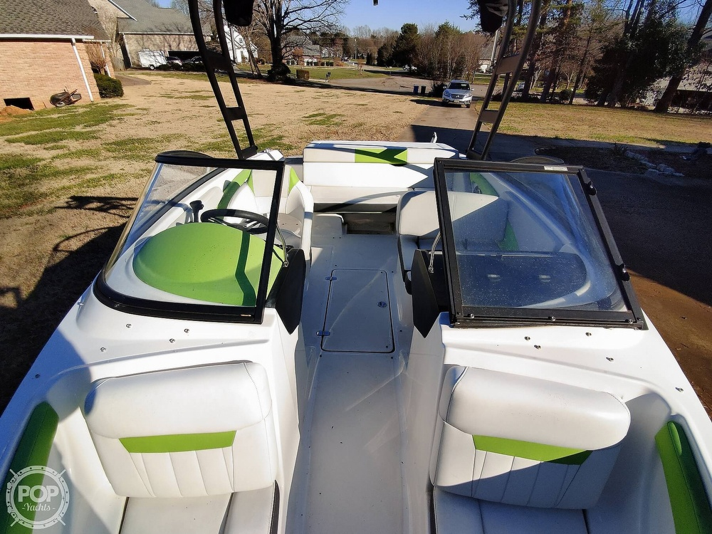 2017 Regal boat for sale, model of the boat is 1900 ESX & Image # 17 of 40
