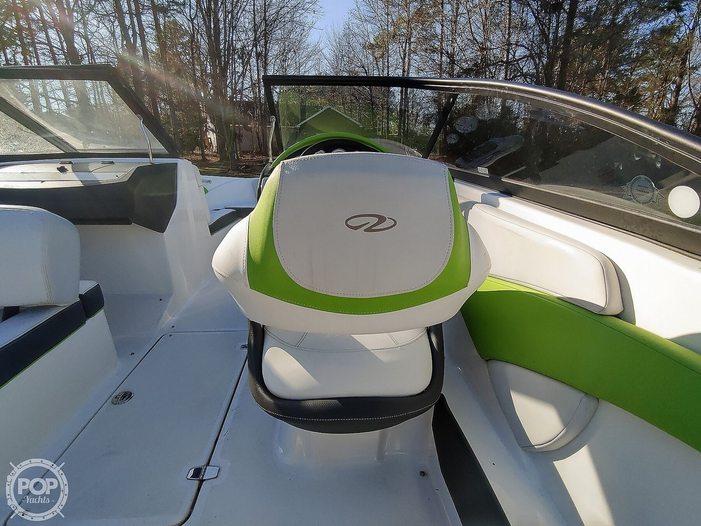 2017 Regal boat for sale, model of the boat is 1900 ESX & Image # 19 of 40
