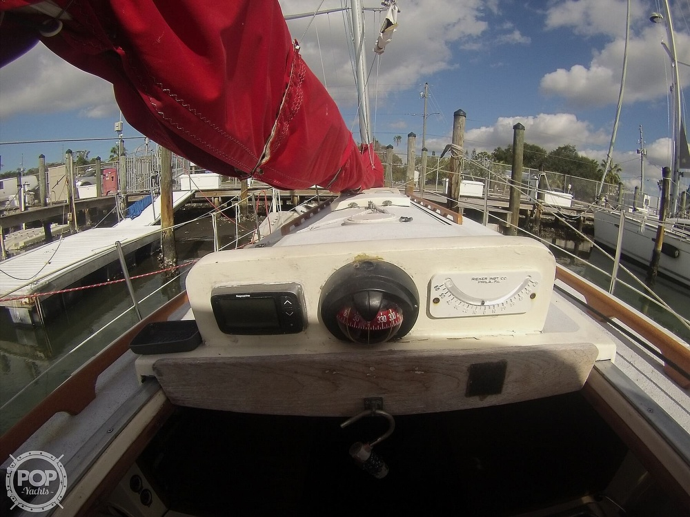 1979 Sandpiper boat for sale, model of the boat is 32 & Image # 9 of 40