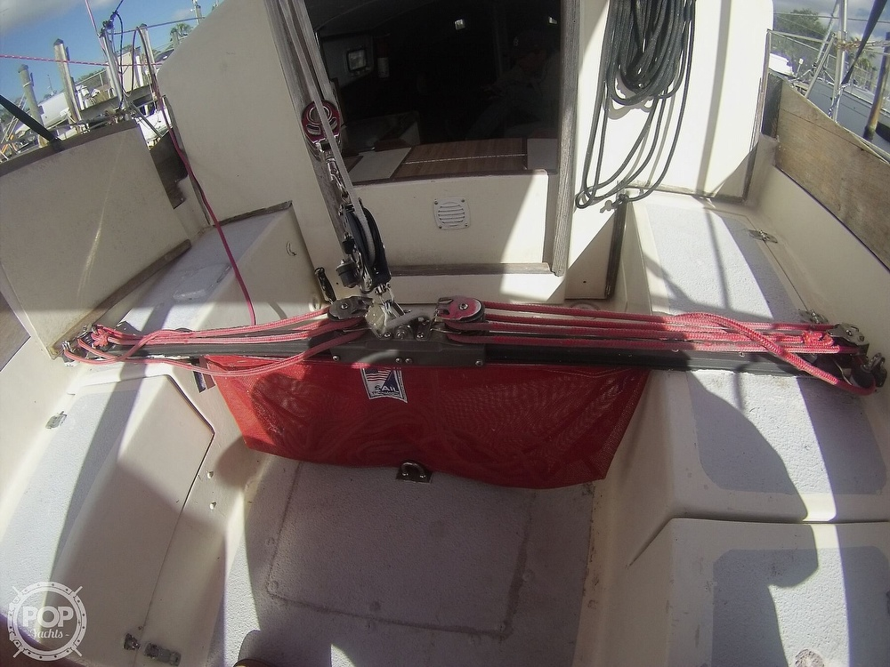 1979 Sandpiper boat for sale, model of the boat is 32 & Image # 19 of 40