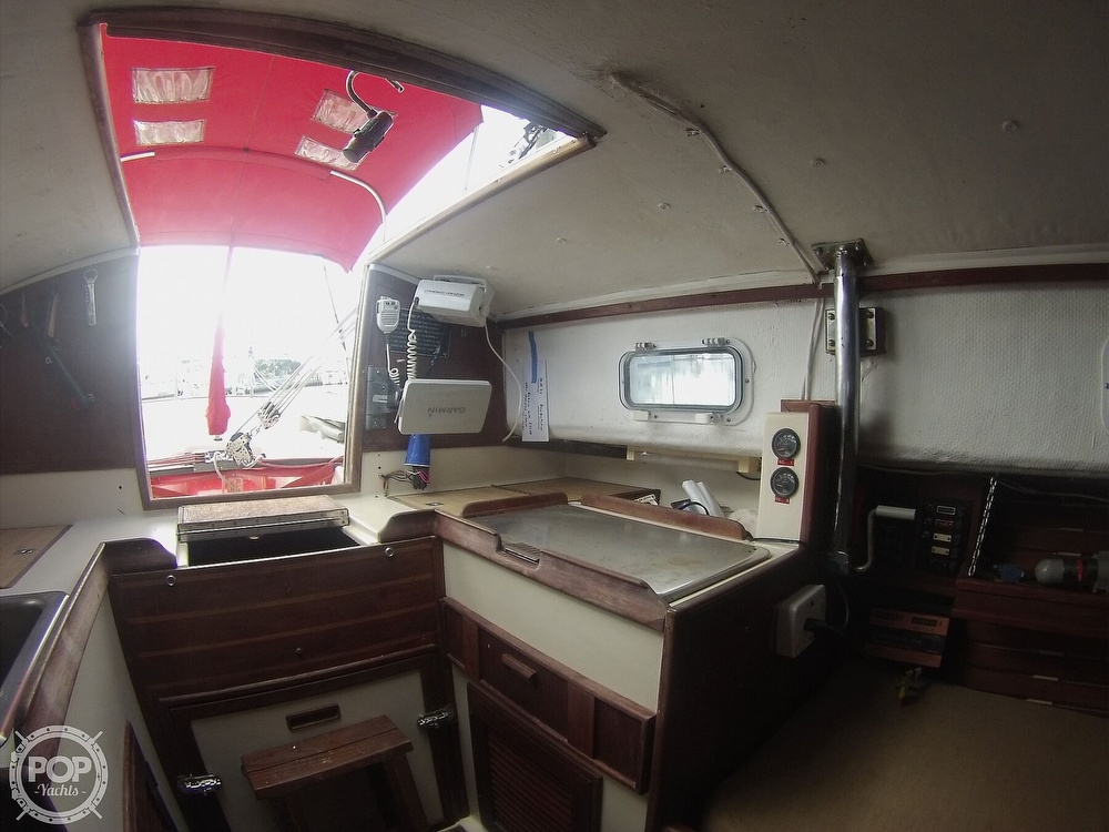 1979 Sandpiper boat for sale, model of the boat is 32 & Image # 30 of 40