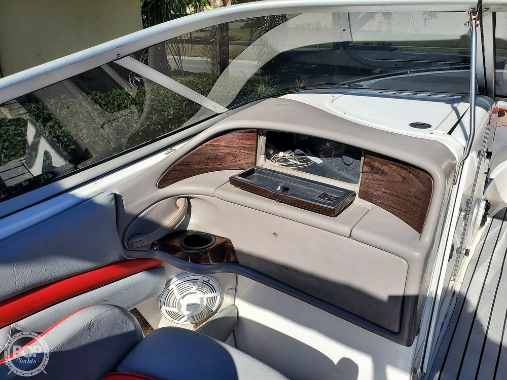 2001 Four Winns boat for sale, model of the boat is 260 Horizon & Image # 20 of 40