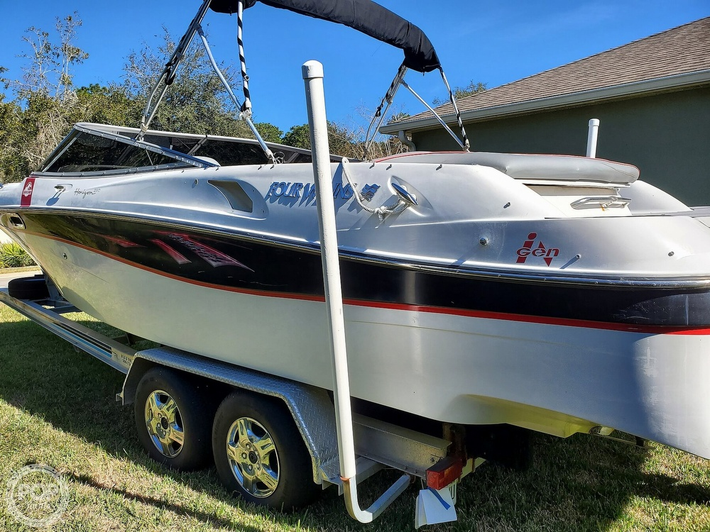 2001 Four Winns boat for sale, model of the boat is 260 Horizon & Image # 2 of 40