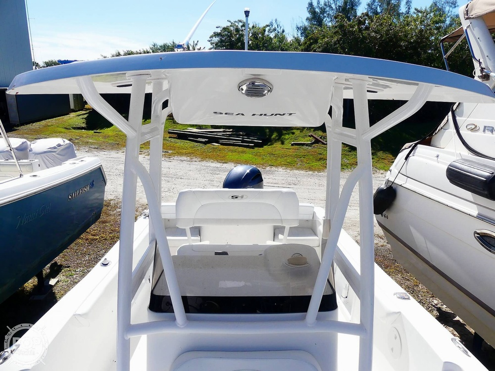 2014 Sea Hunt boat for sale, model of the boat is Triton 225 & Image # 15 of 40