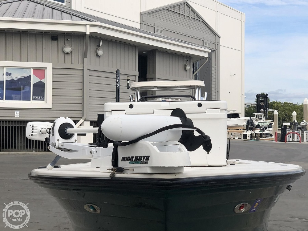 2000 Hewes boat for sale, model of the boat is Red fisher 19 & Image # 5 of 40