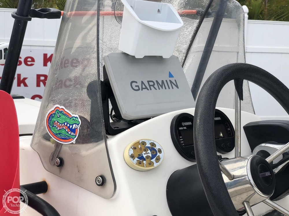 2000 Hewes boat for sale, model of the boat is Red fisher 19 & Image # 7 of 40
