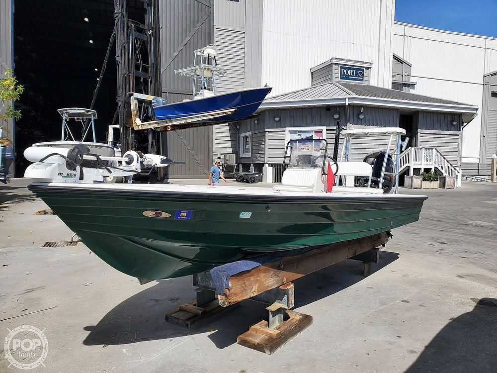 2000 Hewes boat for sale, model of the boat is Red fisher 19 & Image # 15 of 40