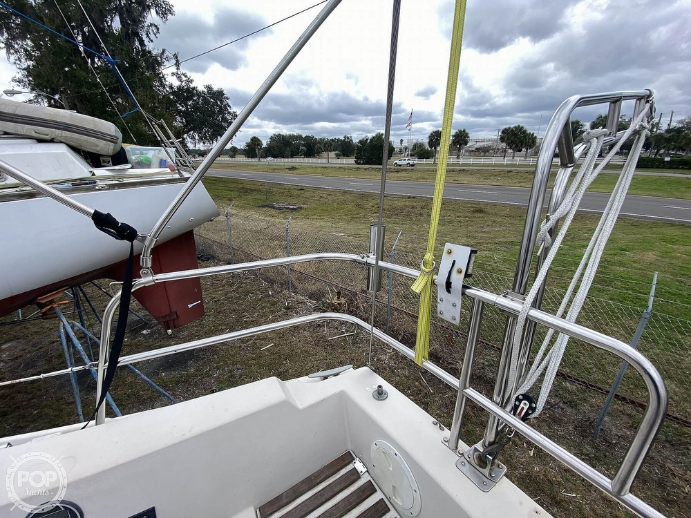 1985 Laguna boat for sale, model of the boat is 30 & Image # 12 of 40