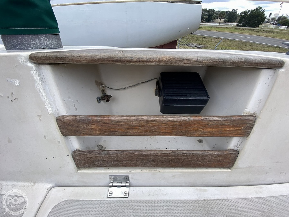 1985 Laguna boat for sale, model of the boat is 30 & Image # 20 of 40