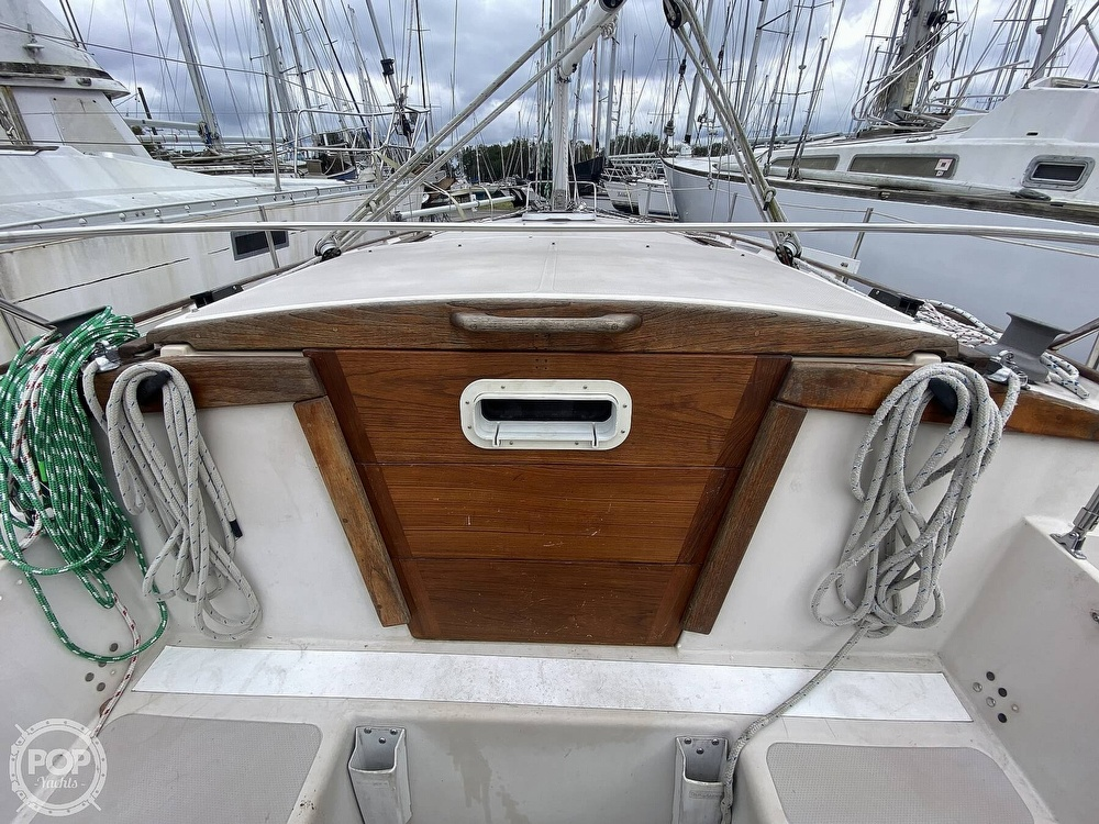 1985 Laguna boat for sale, model of the boat is 30 & Image # 26 of 40
