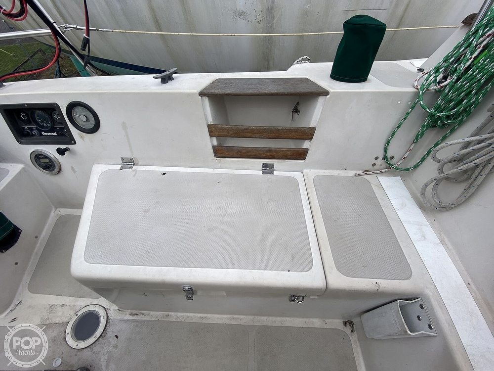 1985 Laguna boat for sale, model of the boat is 30 & Image # 27 of 40