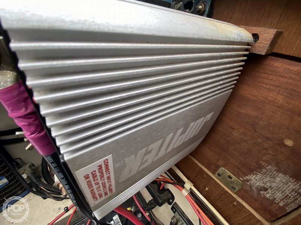 1985 Laguna boat for sale, model of the boat is 30 & Image # 33 of 40