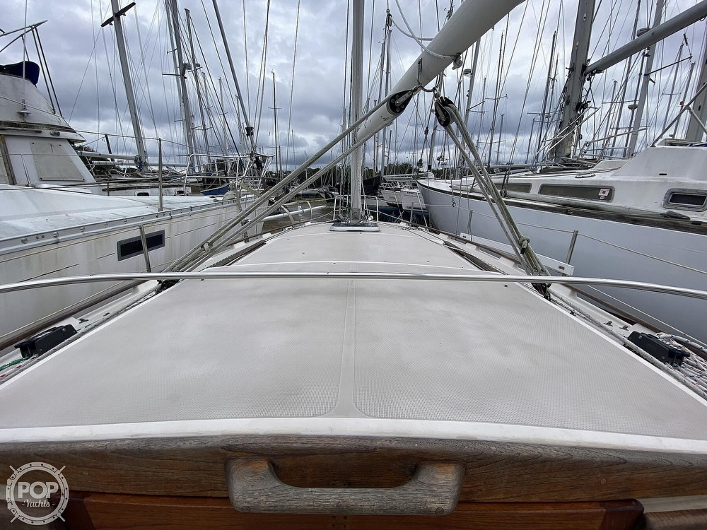 1985 Laguna boat for sale, model of the boat is 30 & Image # 38 of 40