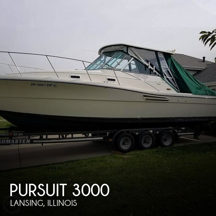Used Boats For Sale in Chicago, Illinois by owner | 2001 Pursuit 3000 Express