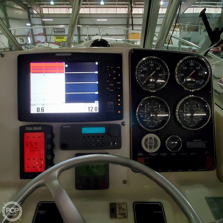 2001 Pursuit boat for sale, model of the boat is 3000 Express & Image # 15 of 40
