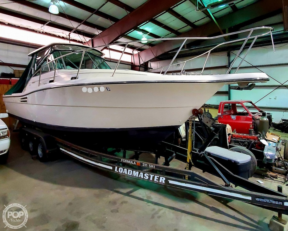 2001 Pursuit boat for sale, model of the boat is 3000 Express & Image # 2 of 40