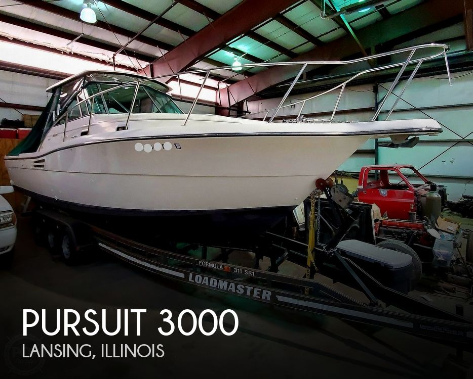 2001 Pursuit boat for sale, model of the boat is 3000 Express & Image # 1 of 40