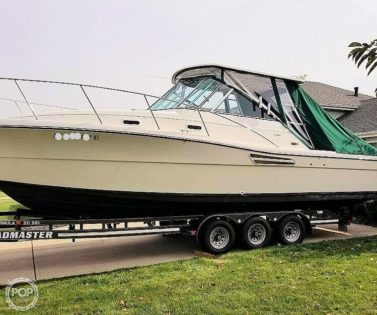 2001 Pursuit boat for sale, model of the boat is 3000 Express & Image # 5 of 40