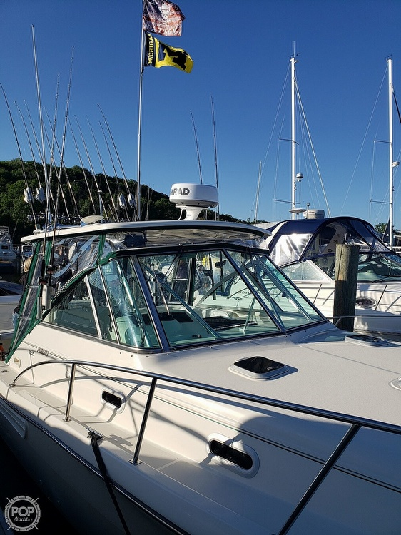 2001 Pursuit boat for sale, model of the boat is 3000 Express & Image # 4 of 40