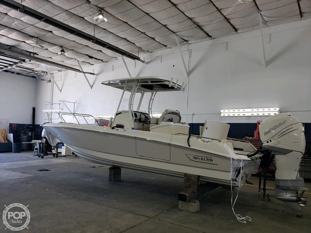 2020 Boston Whaler 270 Dauntless - image 2