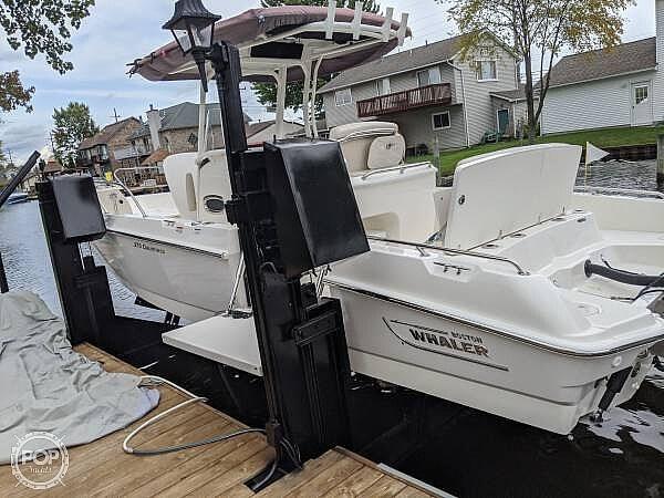 2020 Boston Whaler 270 Dauntless - image 11