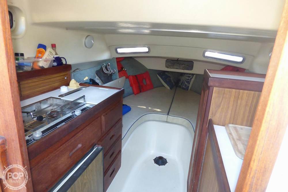 1989 Skipjack boat for sale, model of the boat is 24 Flybridge Sportfisher & Image # 6 of 40