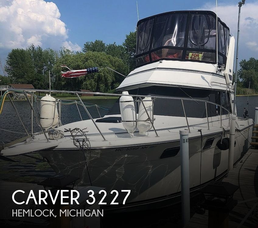 Used Fishing boats For Sale in Michigan by owner | 1988 Carver 3227
