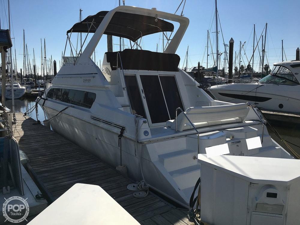 2000 Carver boat for sale, model of the boat is 380 Santego Flybridge Cruiser & Image # 5 of 40