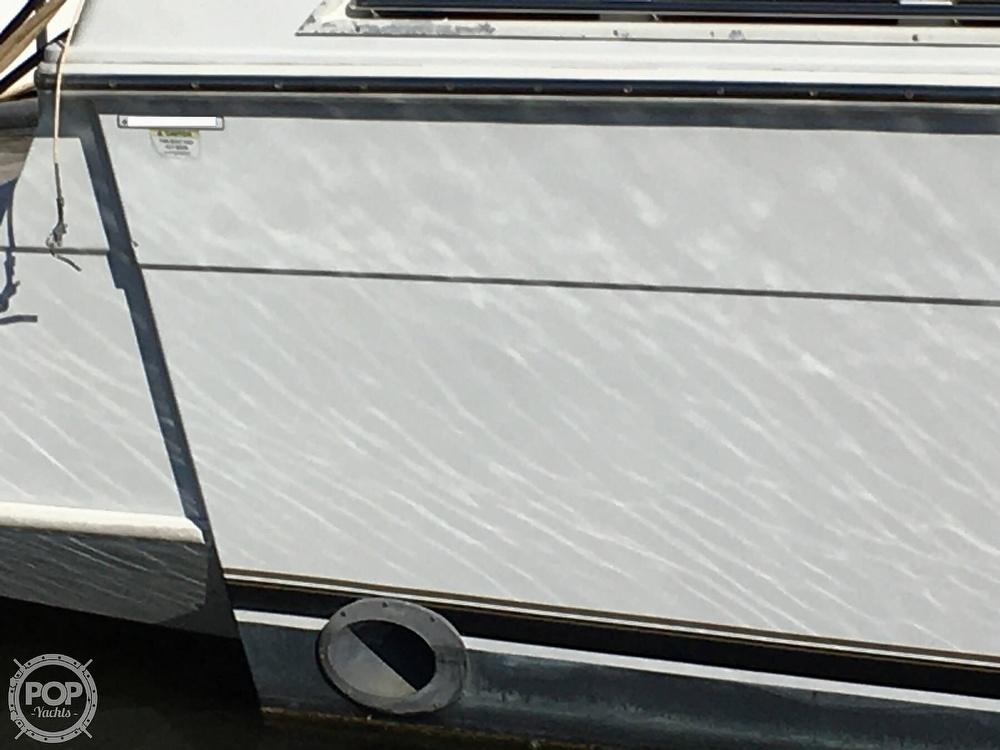 2000 Carver boat for sale, model of the boat is 380 Santego Flybridge Cruiser & Image # 19 of 40