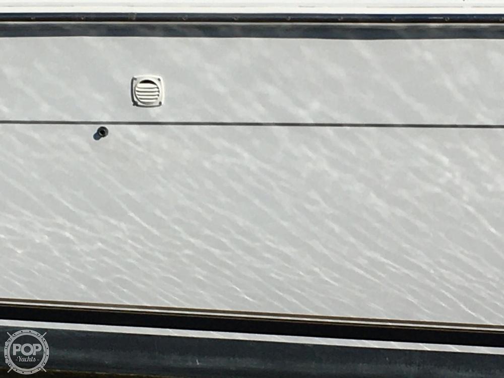 2000 Carver boat for sale, model of the boat is 380 Santego Flybridge Cruiser & Image # 17 of 40