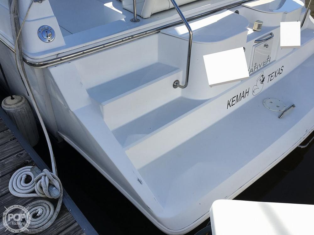 2000 Carver boat for sale, model of the boat is 380 Santego Flybridge Cruiser & Image # 26 of 40