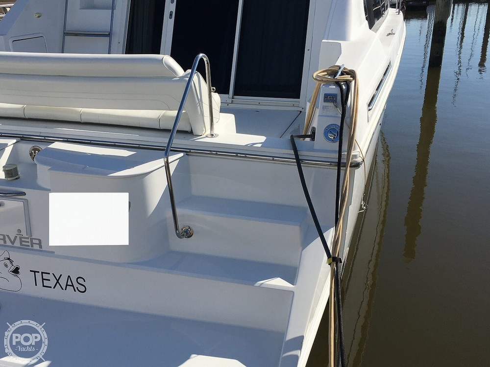 2000 Carver boat for sale, model of the boat is 380 Santego Flybridge Cruiser & Image # 21 of 40