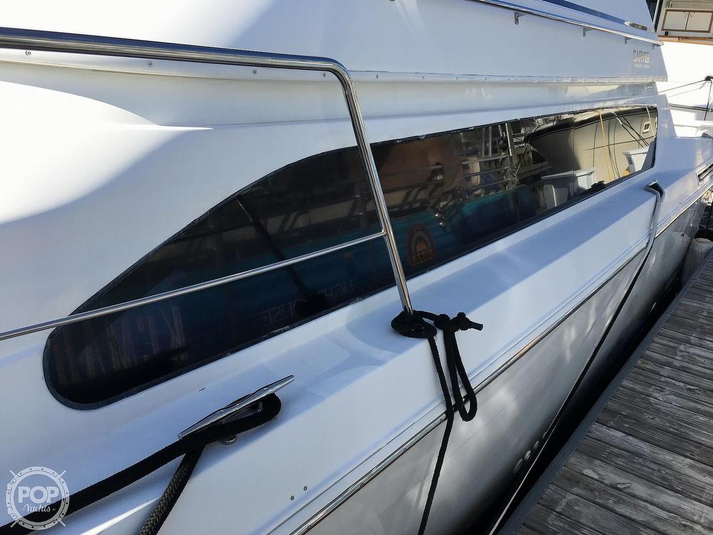 2000 Carver boat for sale, model of the boat is 380 Santego Flybridge Cruiser & Image # 35 of 40