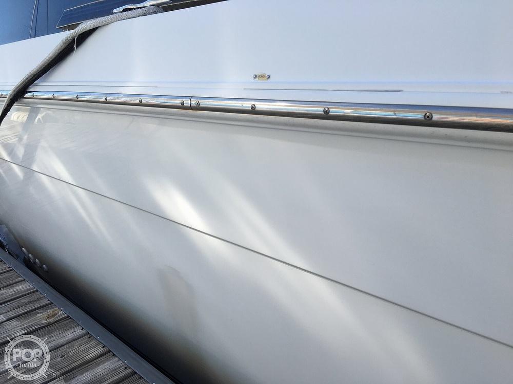 2000 Carver boat for sale, model of the boat is 380 Santego Flybridge Cruiser & Image # 34 of 40