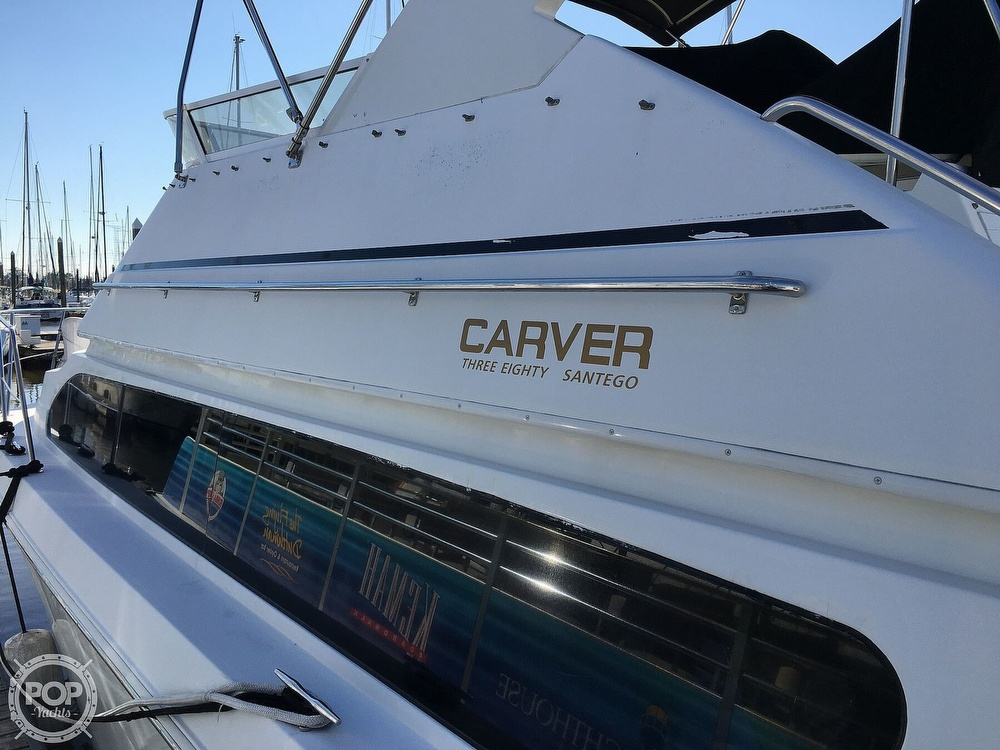 2000 Carver boat for sale, model of the boat is 380 Santego Flybridge Cruiser & Image # 31 of 40