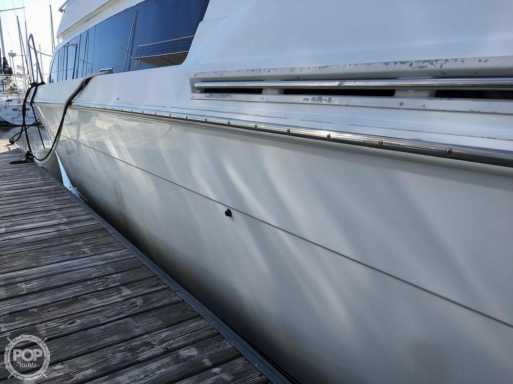 2000 Carver boat for sale, model of the boat is 380 Santego Flybridge Cruiser & Image # 30 of 40