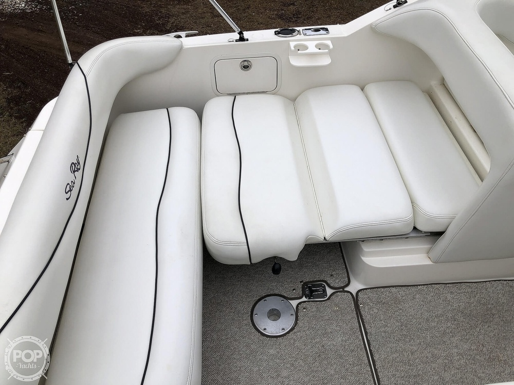 2001 Sea Ray boat for sale, model of the boat is 260 Sundancer & Image # 26 of 40