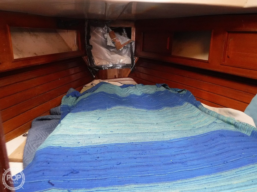 1976 Bristol boat for sale, model of the boat is 34 & Image # 10 of 40