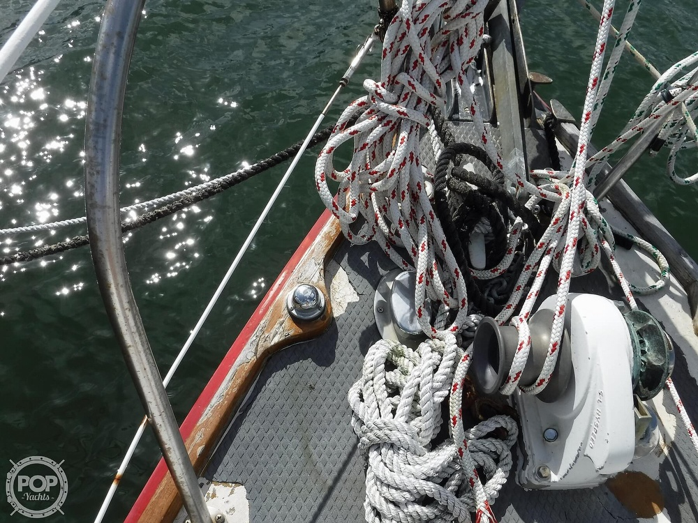 1976 Bristol boat for sale, model of the boat is 34 & Image # 25 of 40