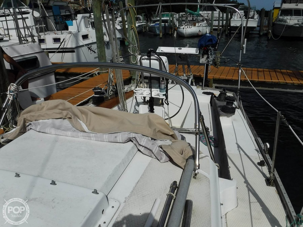 1976 Bristol boat for sale, model of the boat is 34 & Image # 34 of 40