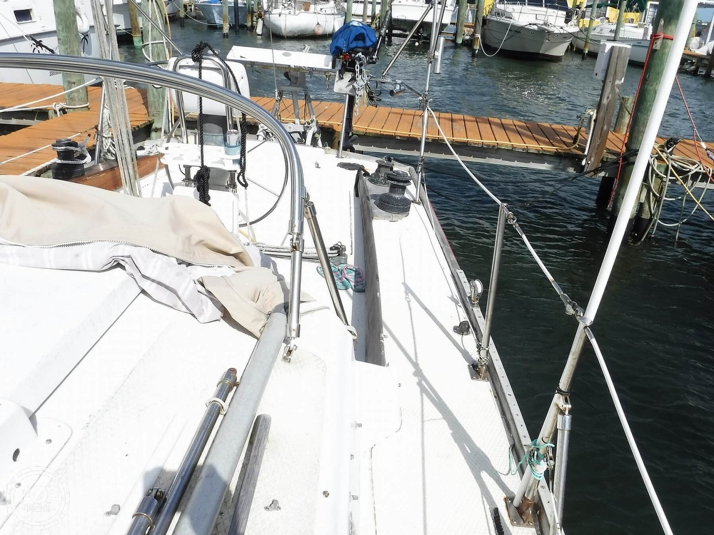 1976 Bristol boat for sale, model of the boat is 34 & Image # 35 of 40