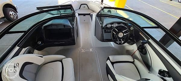 2018 Monterey boat for sale, model of the boat is 204FS & Image # 3 of 40