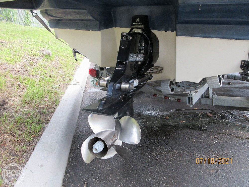 2006 Sea Ray boat for sale, model of the boat is 220 Sundeck & Image # 31 of 40
