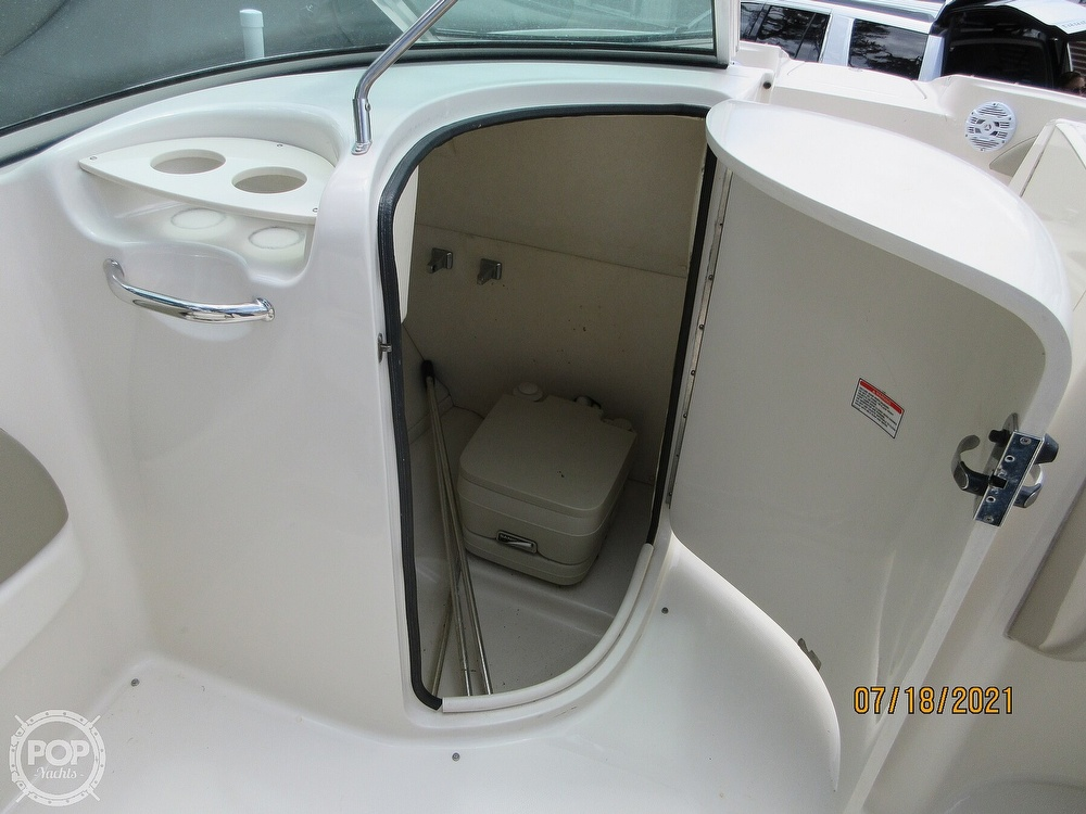 2006 Sea Ray boat for sale, model of the boat is 220 Sundeck & Image # 20 of 40