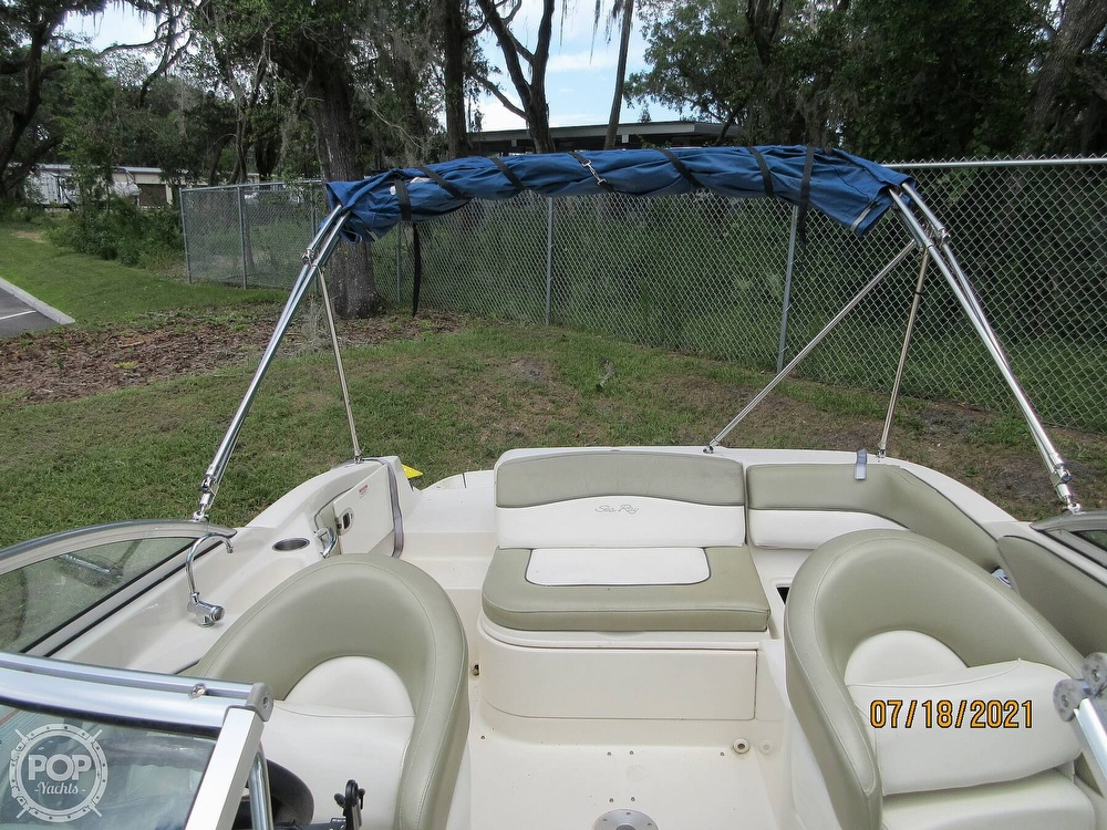 2006 Sea Ray boat for sale, model of the boat is 220 Sundeck & Image # 6 of 40